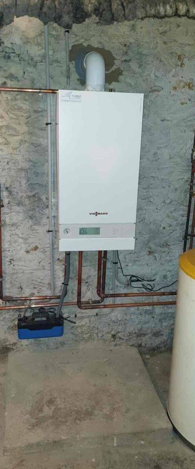 Installation d'une chaudière gaz condensation Viessmann Type vitodens fonctionnant par thermostat d'ambiance